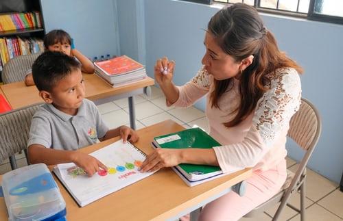 Pedagogiske tiltak kan gi barn bedre språkferdigheter, men hvordan tiltaket gjennomføres er avgjørende
