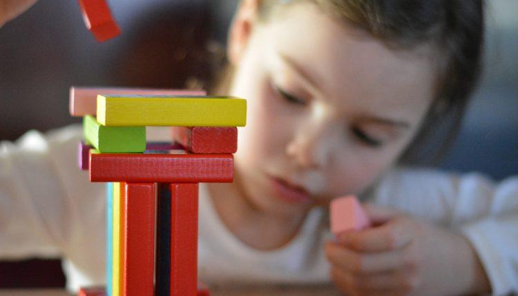 Betydningen av sosial bakgrunn og fattigdom for barns læring: Mekanismer og tiltak